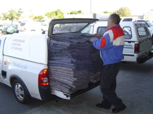 RSAWEB Helps donate blankets